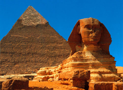 sphinx-and-pyramid