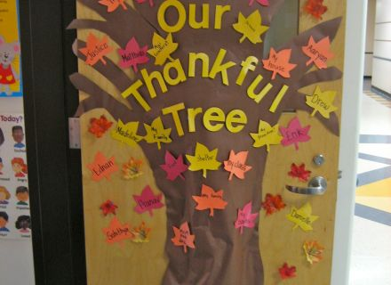 440x320-thanksgiving-classroom-door-decorations-tree-1243105