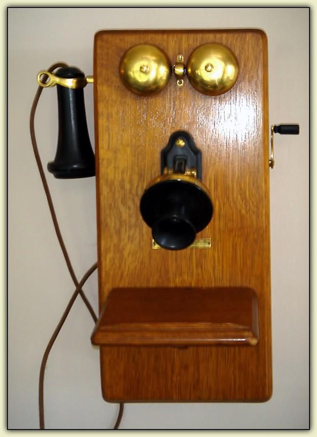 AntiqueWallPhone