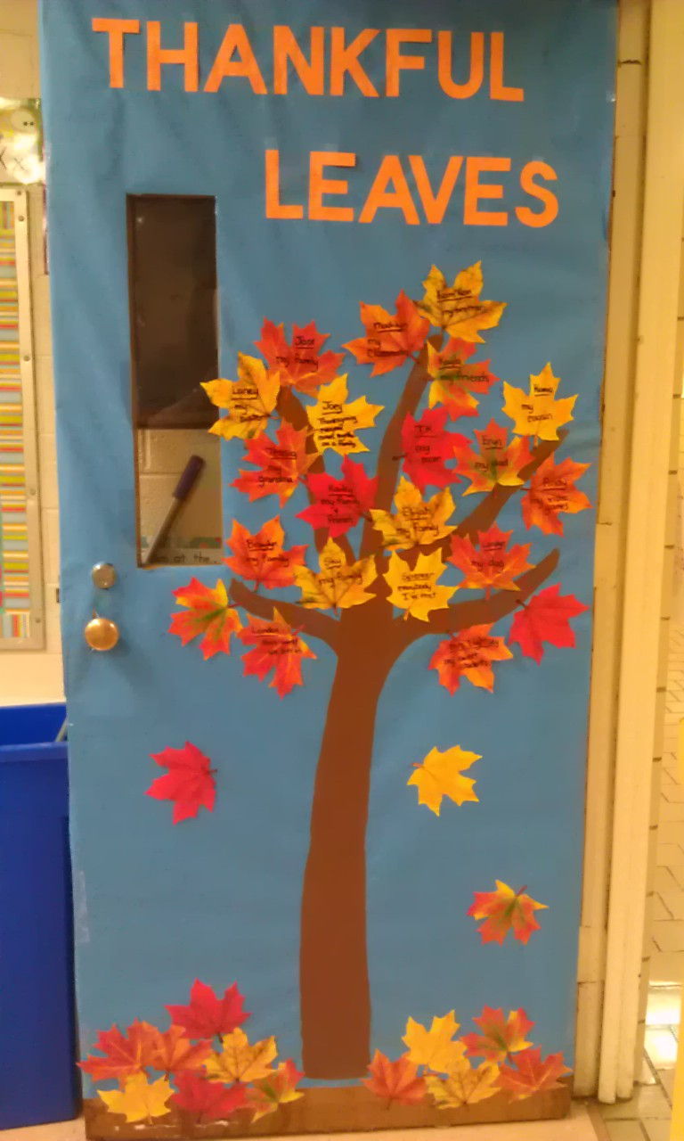 Thanksgiving Door Decoration Ideas Classroom : Parrot tree classroom door decoration