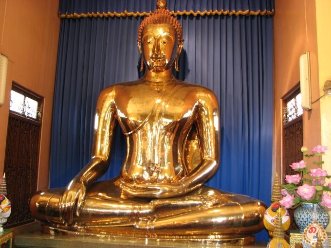 035-bangkok-the-golden-buddha