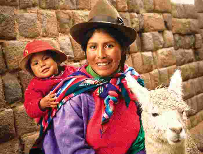 peru_cusco_mother_child_llama-jpg-pagespeed-ce-wdrrnm2rav