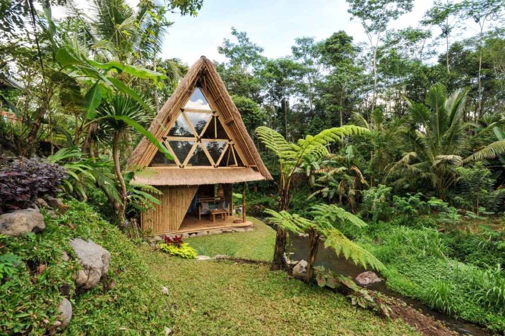 Bamboo-Home-Bali-Airbnb-Off-Grid