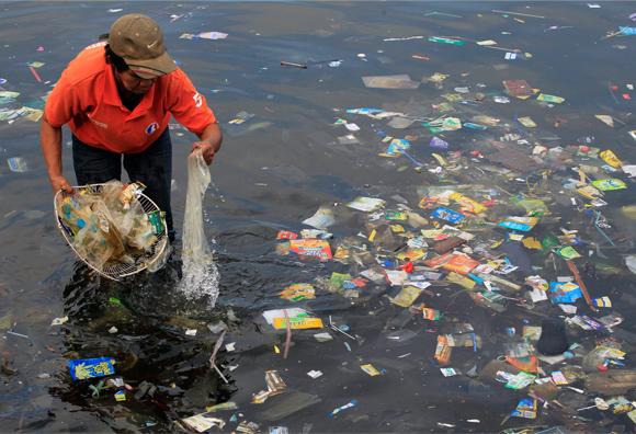 Inside-image-plastic-in-ocean-Boyan-Slat
