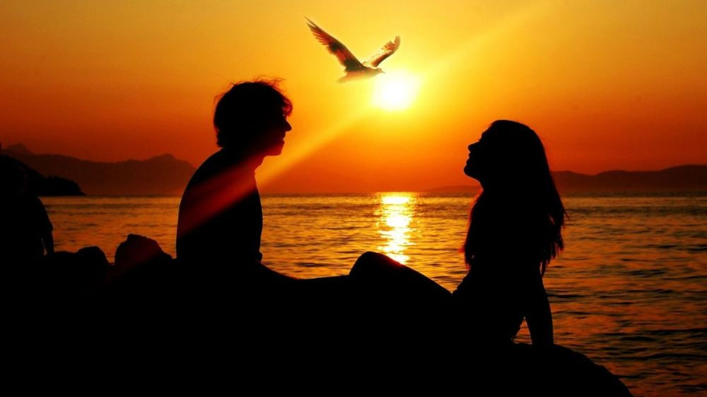 HD-Romantic-Sunset-Love-Couples-Background