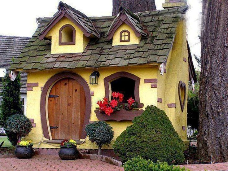 1bd90759f1fb929924ad5408b9adc28a--fairytale-cottage-storybook-cottage