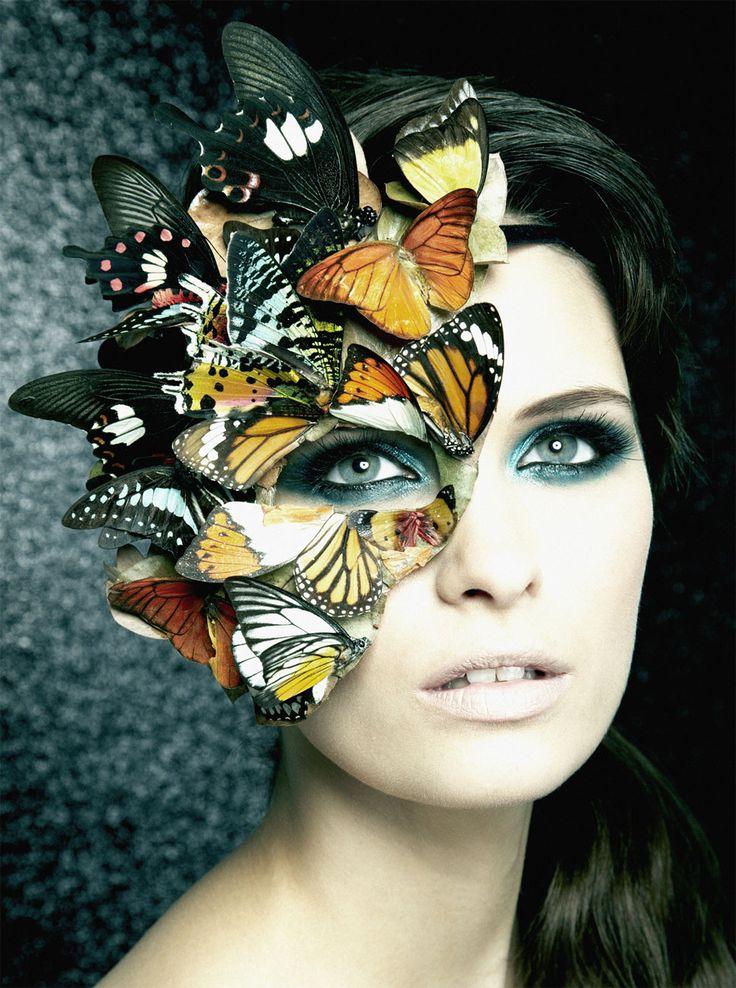 bda8719cbbccdb7f48aefca461e9c803--masquerade-mask-makeup-halloween-masquerade