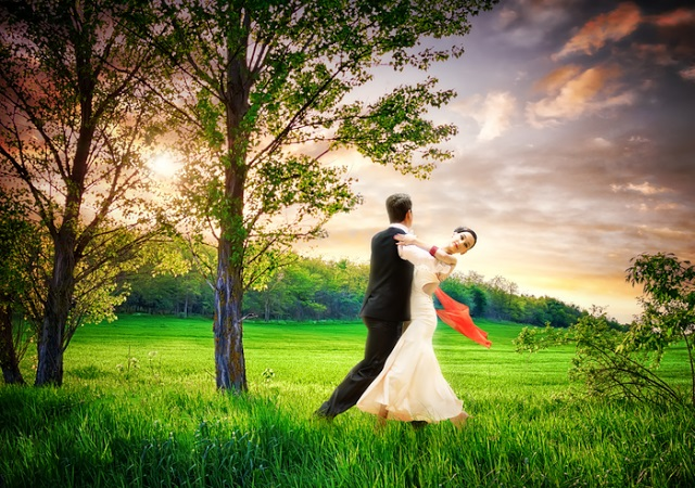 just-dance-couple-meadow