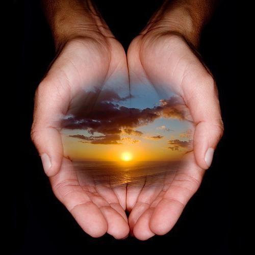 gratitude-zen-life-coaching-hands-magic