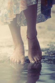 d3b42d7b2f70edbf56533cfed5803444--walking-barefoot-going-barefoot