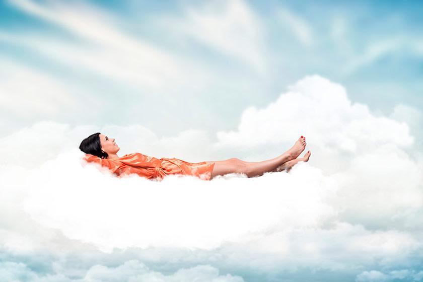 puffy-lux-sleeping-on-a-cloud_840x