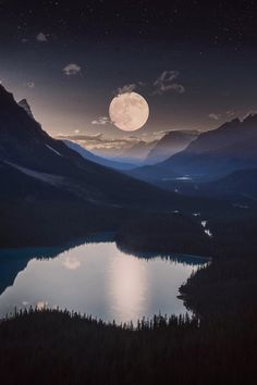 72c9737f98abb2cef04839bd0353a078--lake-photography-beautiful-moon