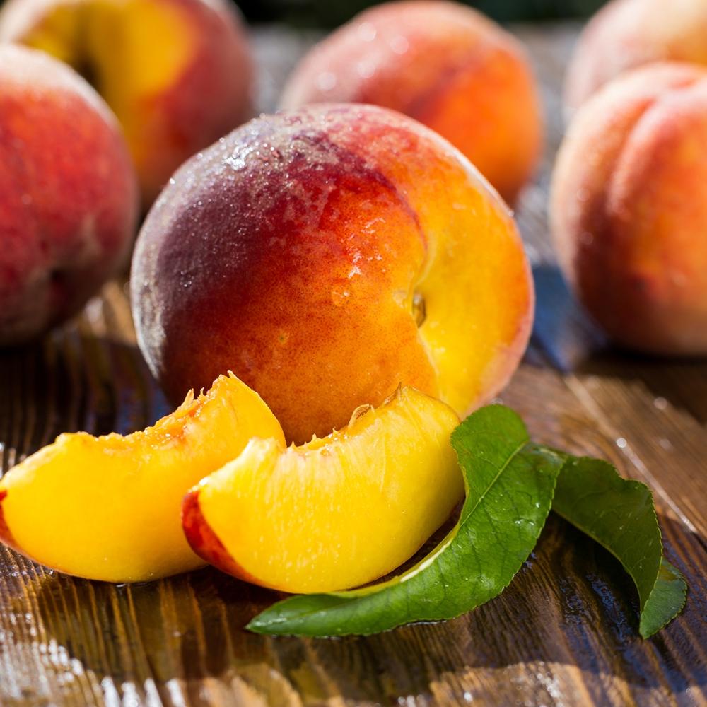 fresh-sweet-group-sliced-peaches-shutterstock_522146548