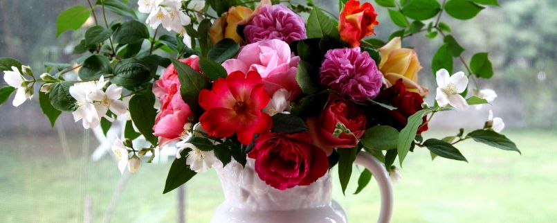 rose_jasmine_bouquet_pitcher_tray_box_branches_35326_2560x1024